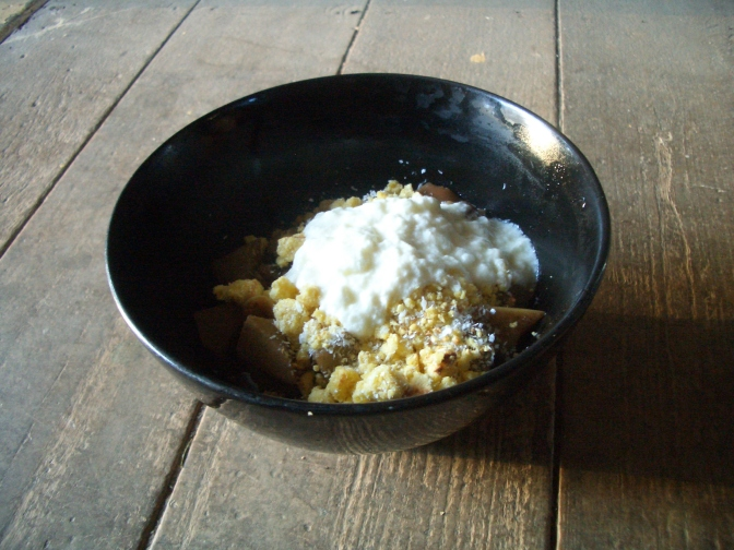 Permaculture recipe: apple and choko crumble